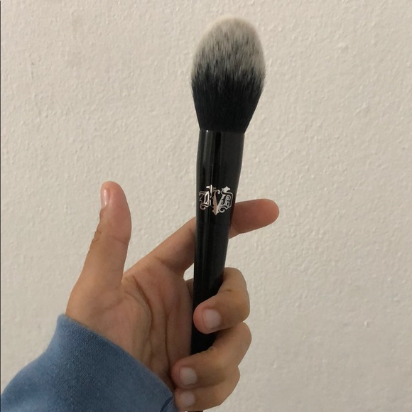 Kat Von D Setting Powder Brush
